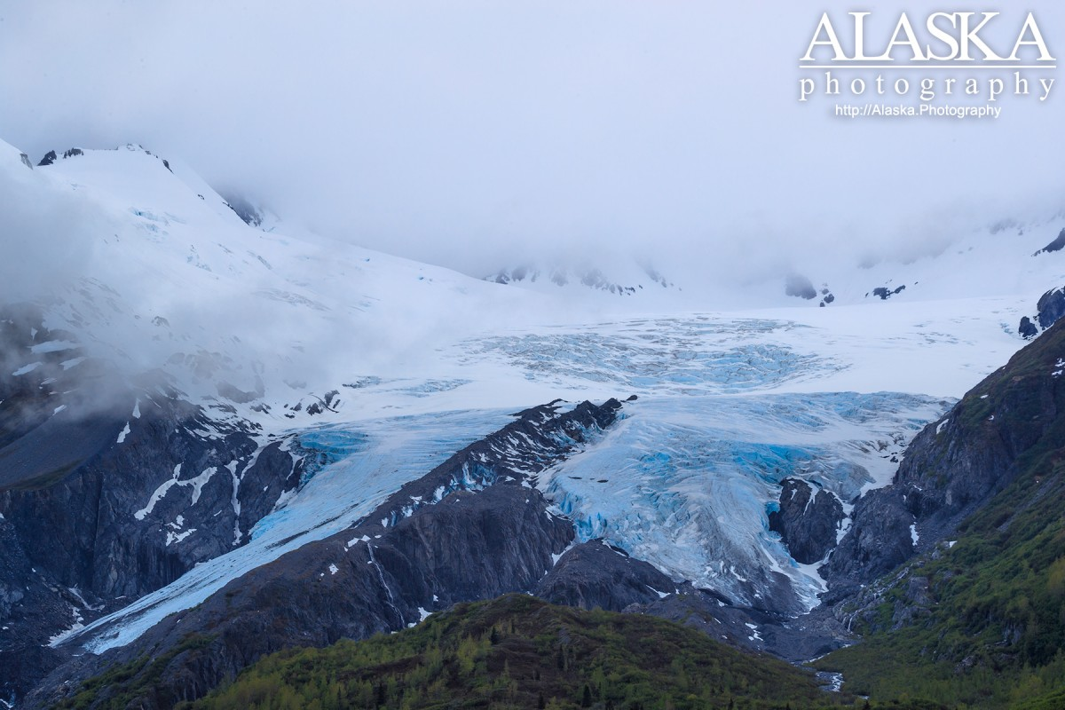 This is the view most people see on their first sighting of Worthington Glacier.