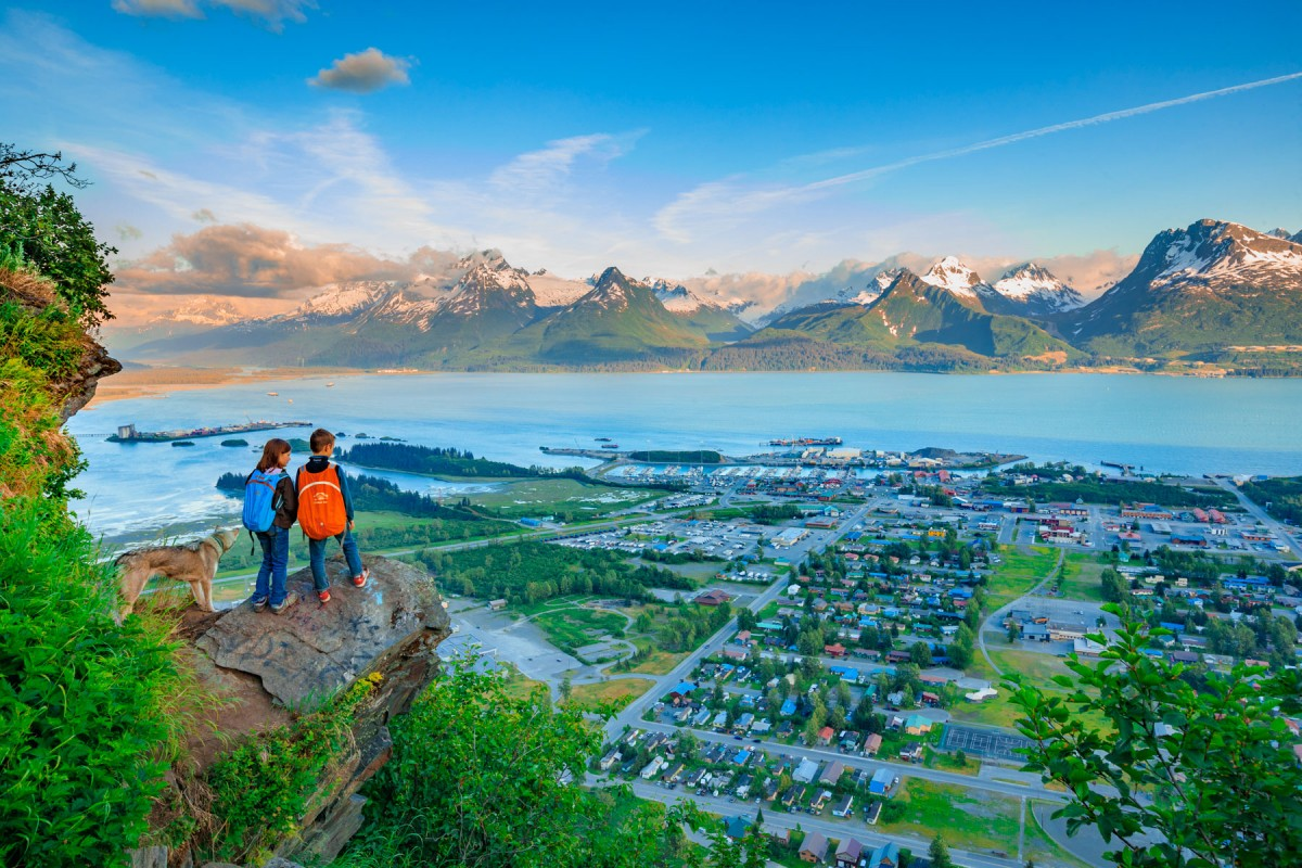 Guided hikes over Valdez Alaska